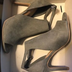 Christian Siriano Ivy Peep-Toe Heels
